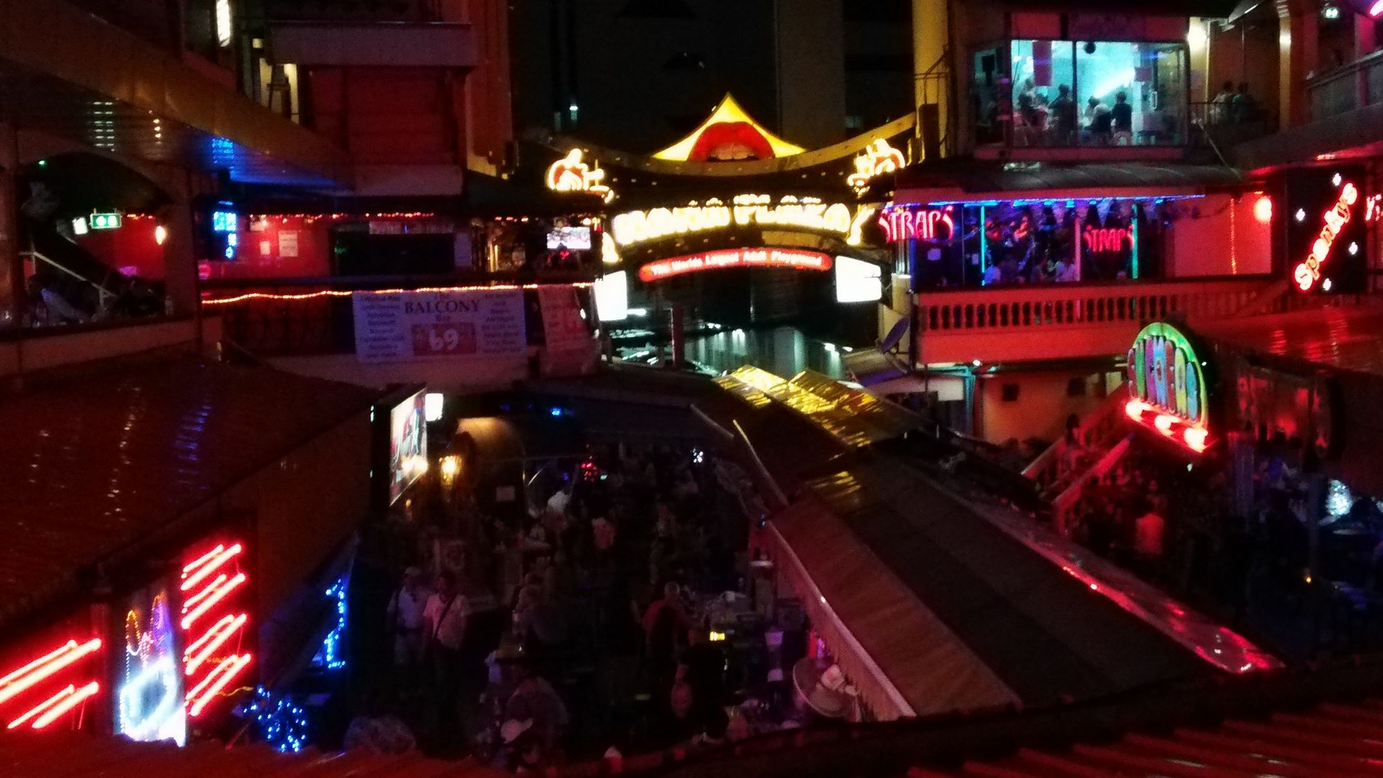nana plaza chat Want to know what it is really like in soi cowboy and nana plaza in bangkok read my review of what you should expect if you go into either places.