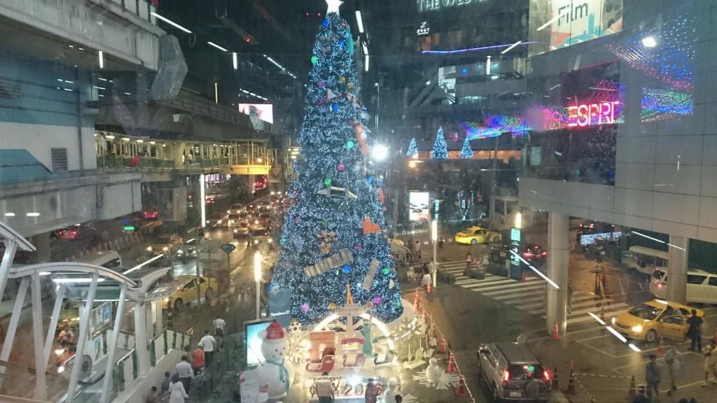 ターミナル21のクリスマスツリー