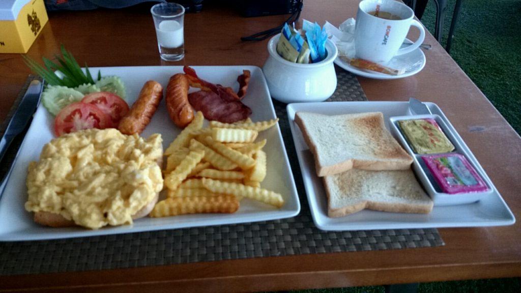 ゴールデン クラブの朝食