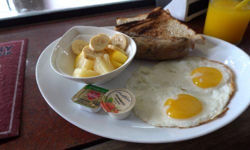 アンヘレスでの朝食